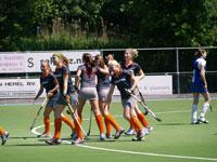 image: Hockey meiden van Weredi MA1 pakken winst tegen OSS