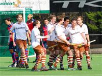 Tilburg Hockey Heren scoren tegen SCHC